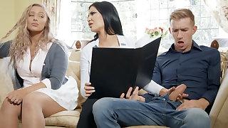 Busty bimbo mommy fucks her daughter's boyfriend