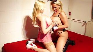 Osterbunny Creampie Party bei Melanie Moon