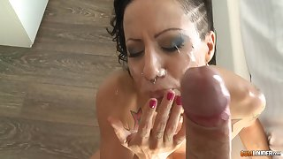 facial and cum in mouth are things that Amber Jade adores to feel