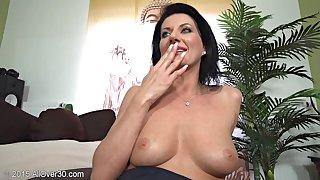 Flirtatious Housewife Olivia Unparalleled Erotic Session