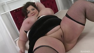 Long with the addition of hard dick dissapears in BBW brunette's soaking pussy with the addition of mouth