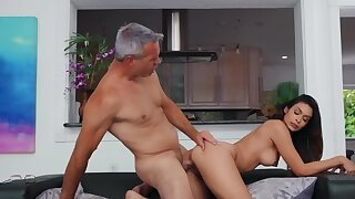 Grey-haired man fucks Latina friend's selfish pussy after divorce