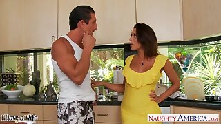 Married chap Tommy Gunn is cheating unaffected by his wife with hot busty Rachel Starr